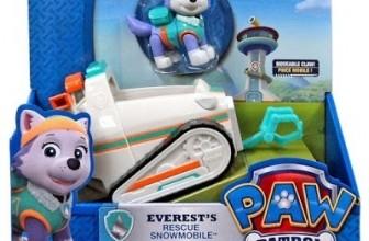 Everest y su vehiculo de rescate en la nieve
